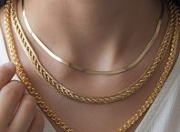 Altın Kolye Kadın Zarafeti